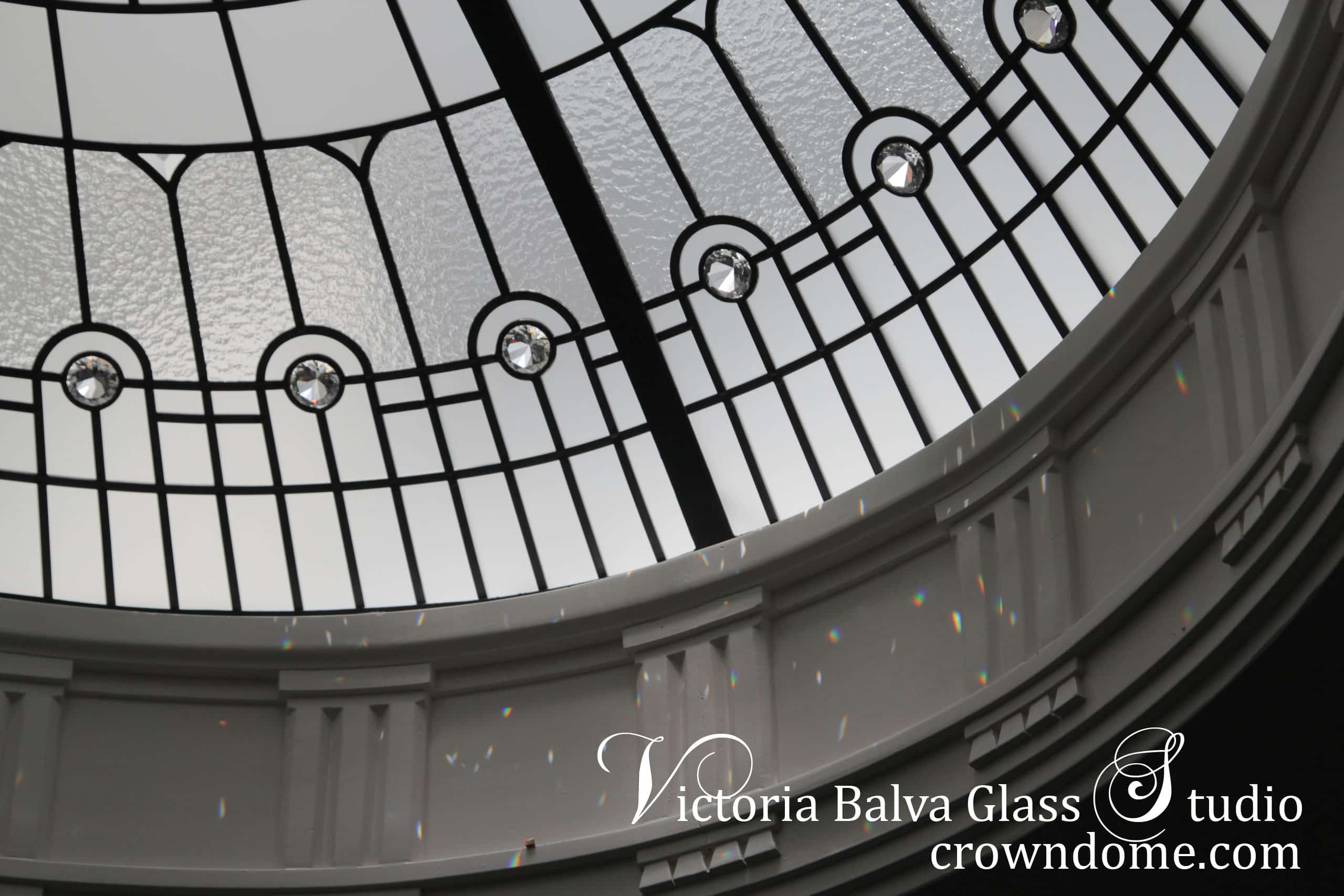 Simple elegant leaded glass oval dome detail for a spiral stairway of custom built house with crystal chandelier. Clear textured glass, clear crystal jewels, beveled glass. Original leaded glass oval dome design by glass artist Victoria Balva