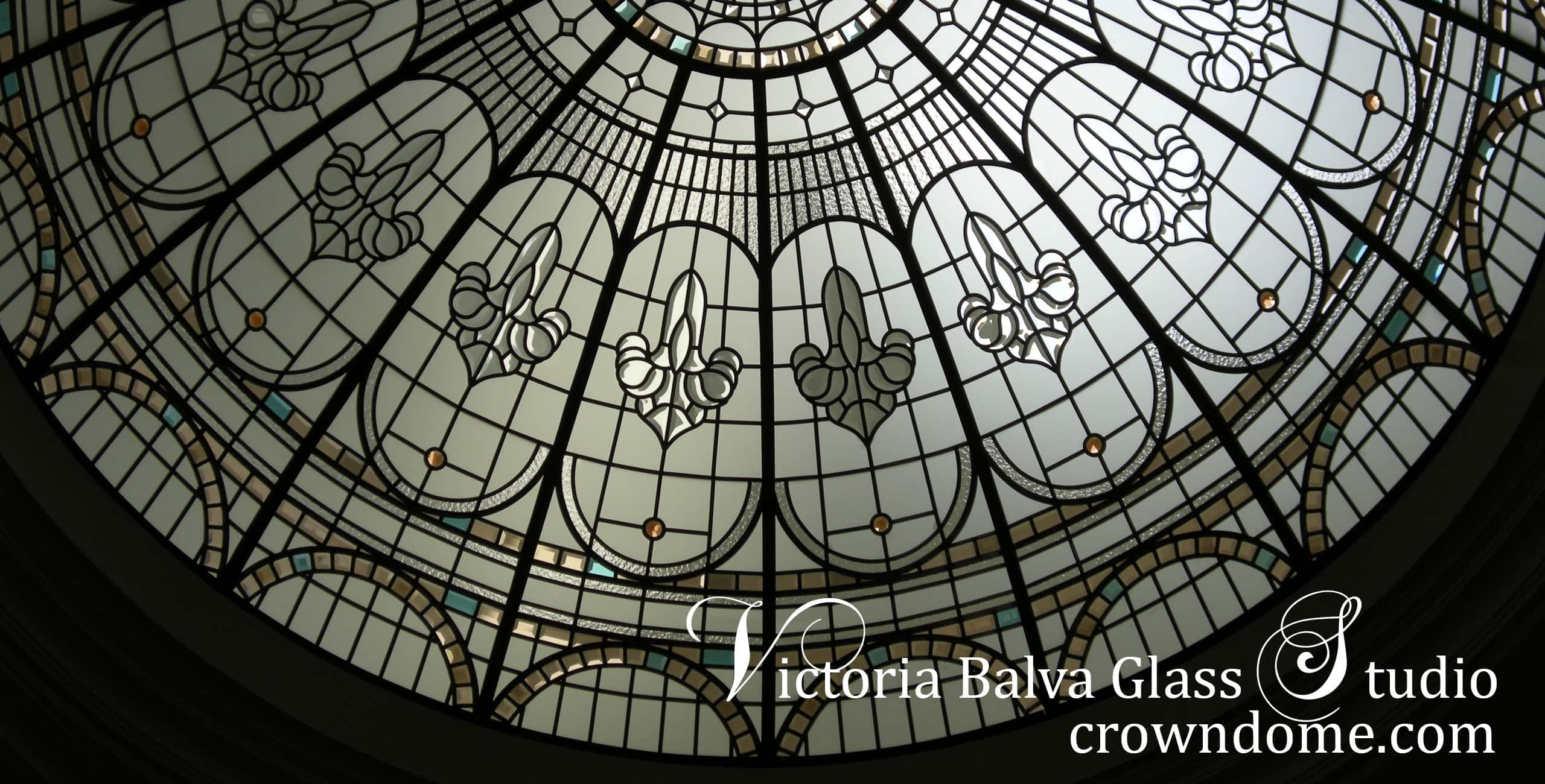 Stained glass dome with beveled glass, elegant and simple