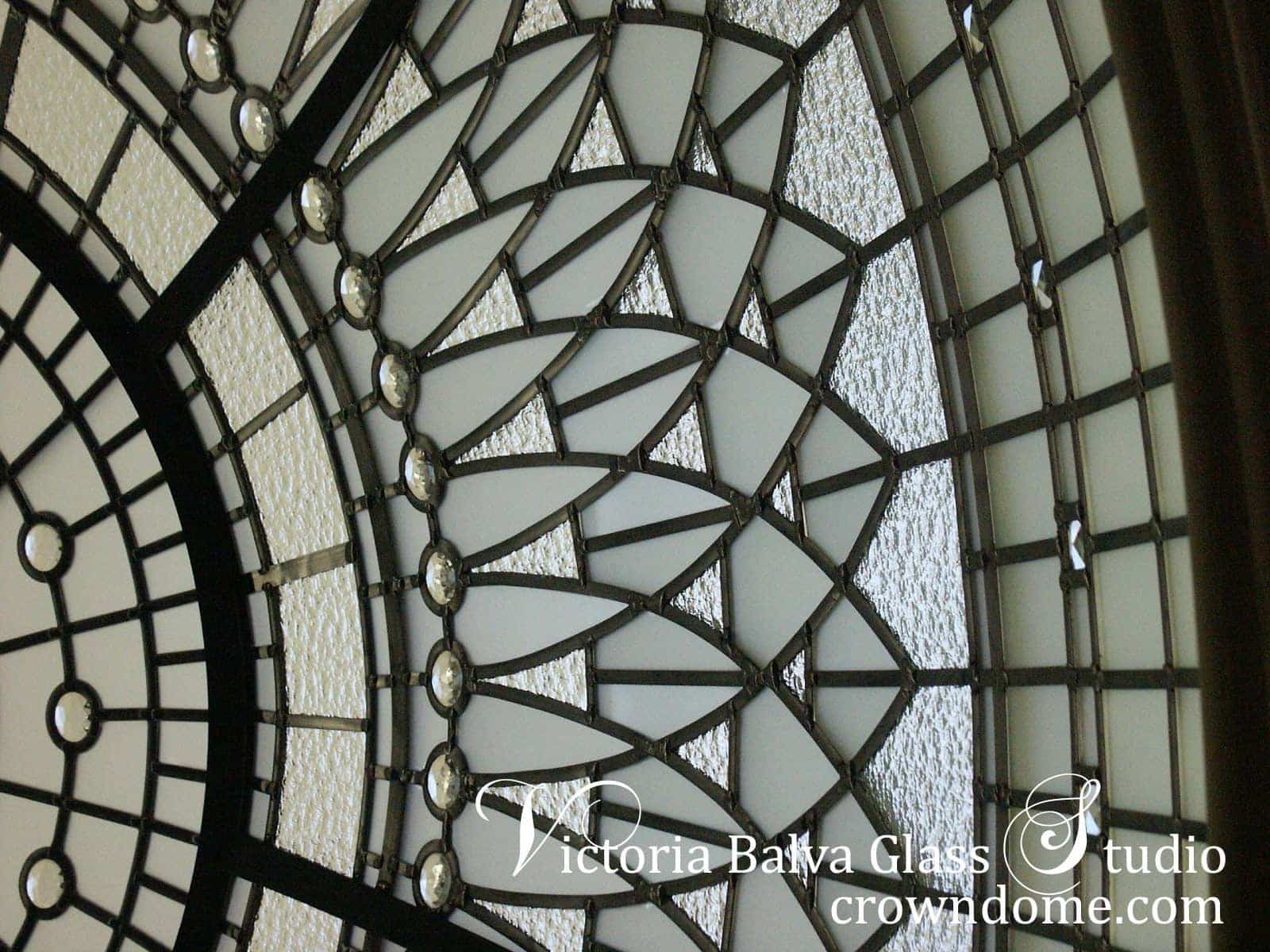 Double-height grand entrance foyer stylish ideas stained leaded glass dome lay light custom-built house in Toronto. Decoration idea decorative glass ceiling with clear beveled and textured glass