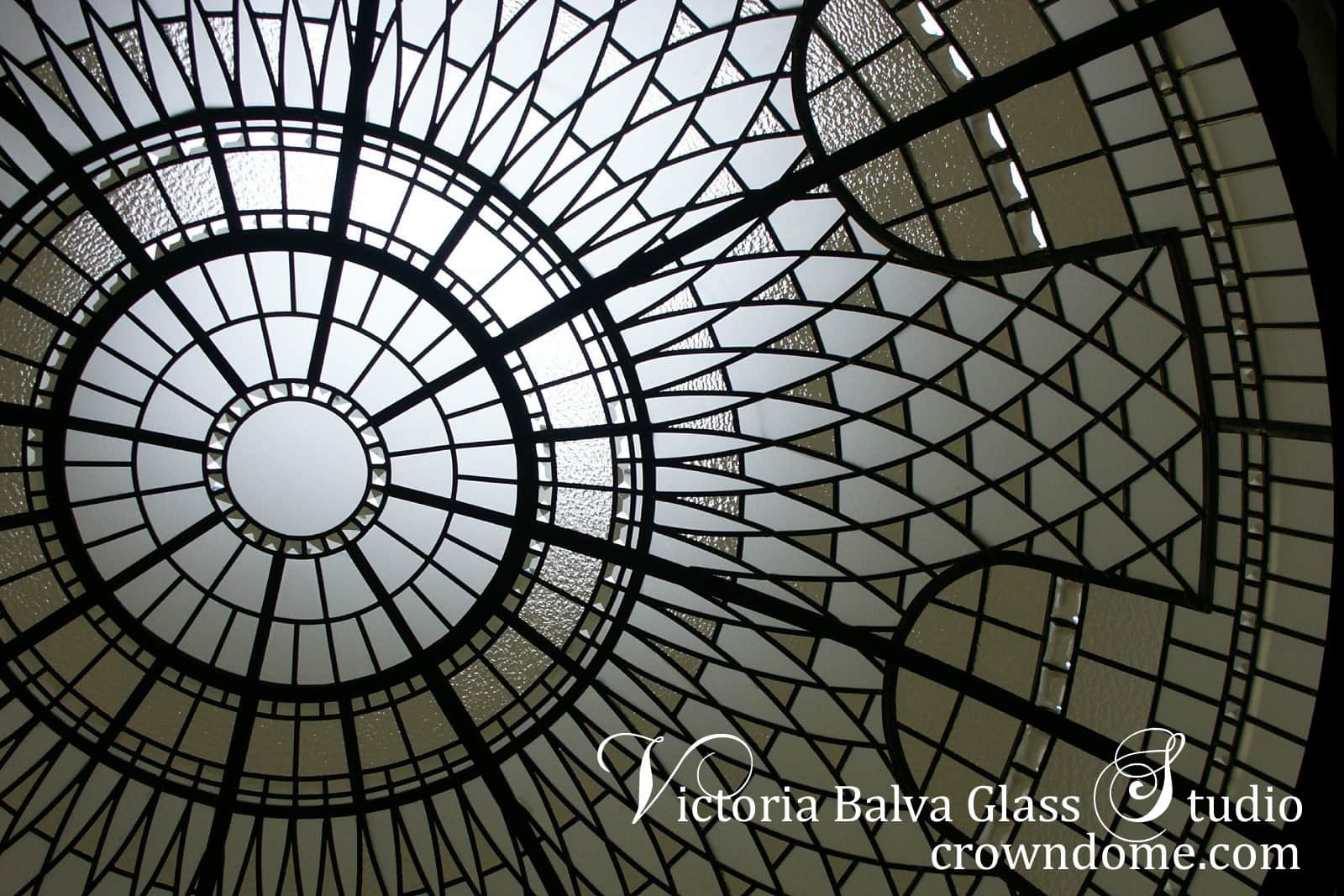 Large leaded glass artistic dome ceiling skylight for a luxury home in Great Neck, Long Island, New York w clear textured glasses, crystal glass elements, decorative glass ceiling lay light design by glass artist Victoria Balva