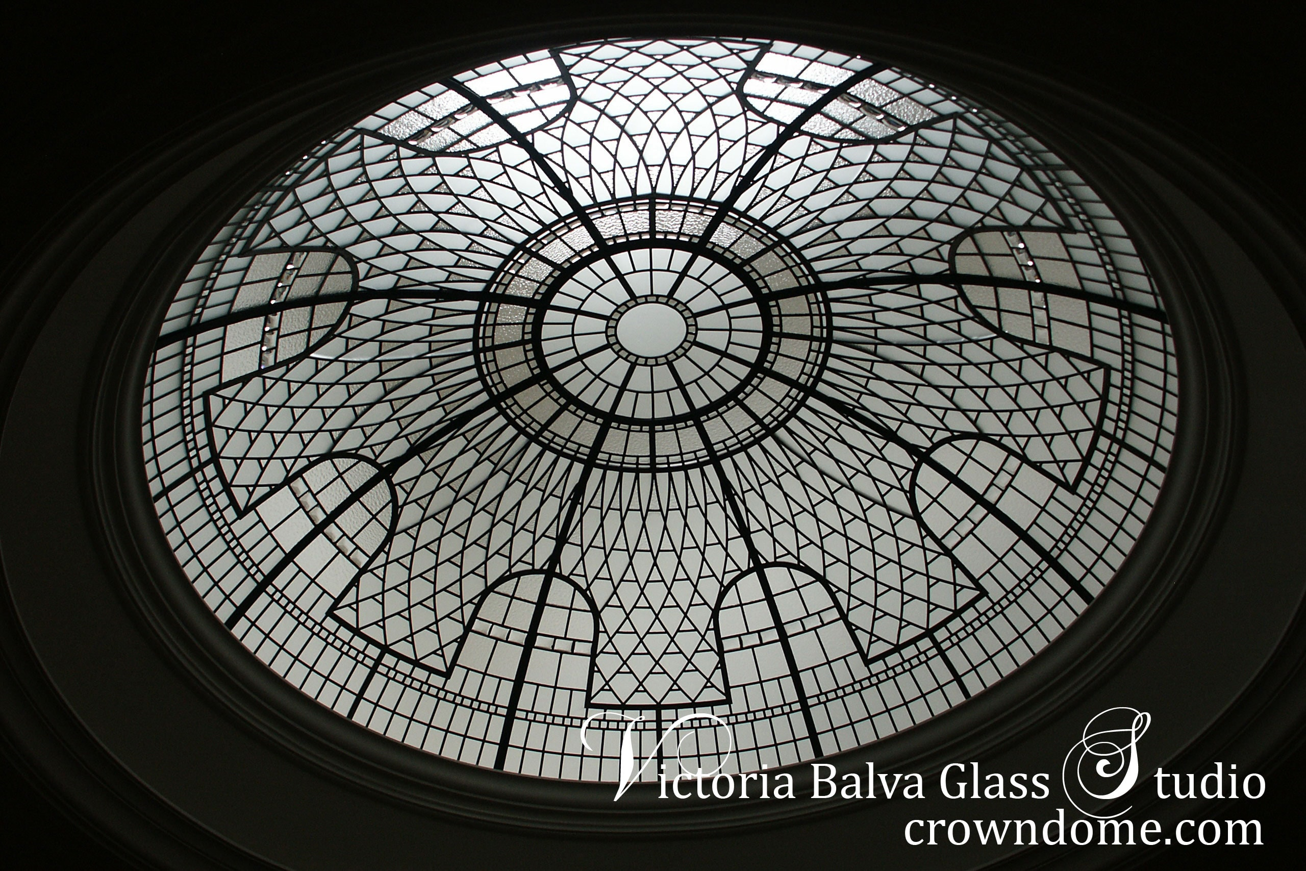 Leaded glass artistic dome skylight with entrance custom built a luxury residence in Great Neck, Long Island, New York. Elegant classical leaded glass dome design with beveled glass and crystal jewels accent. Decorative glass domed ceiling design by glass artist Victoria Balva