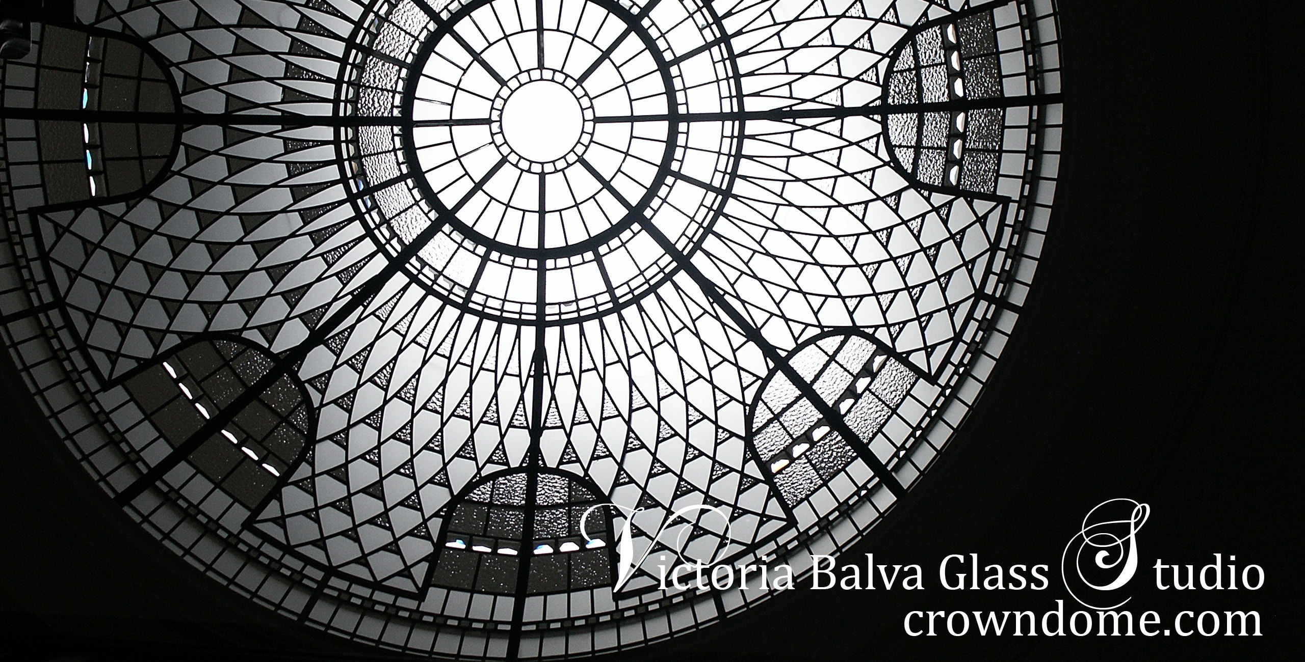 Leaded glass dome skylight custom made for the entrance hall of luxury custom built home in Toronto. Large glass dome ceiling with clear textured glass, crystal jewel, beveled glass lay light designed by architectural glass artist Victoria Balva