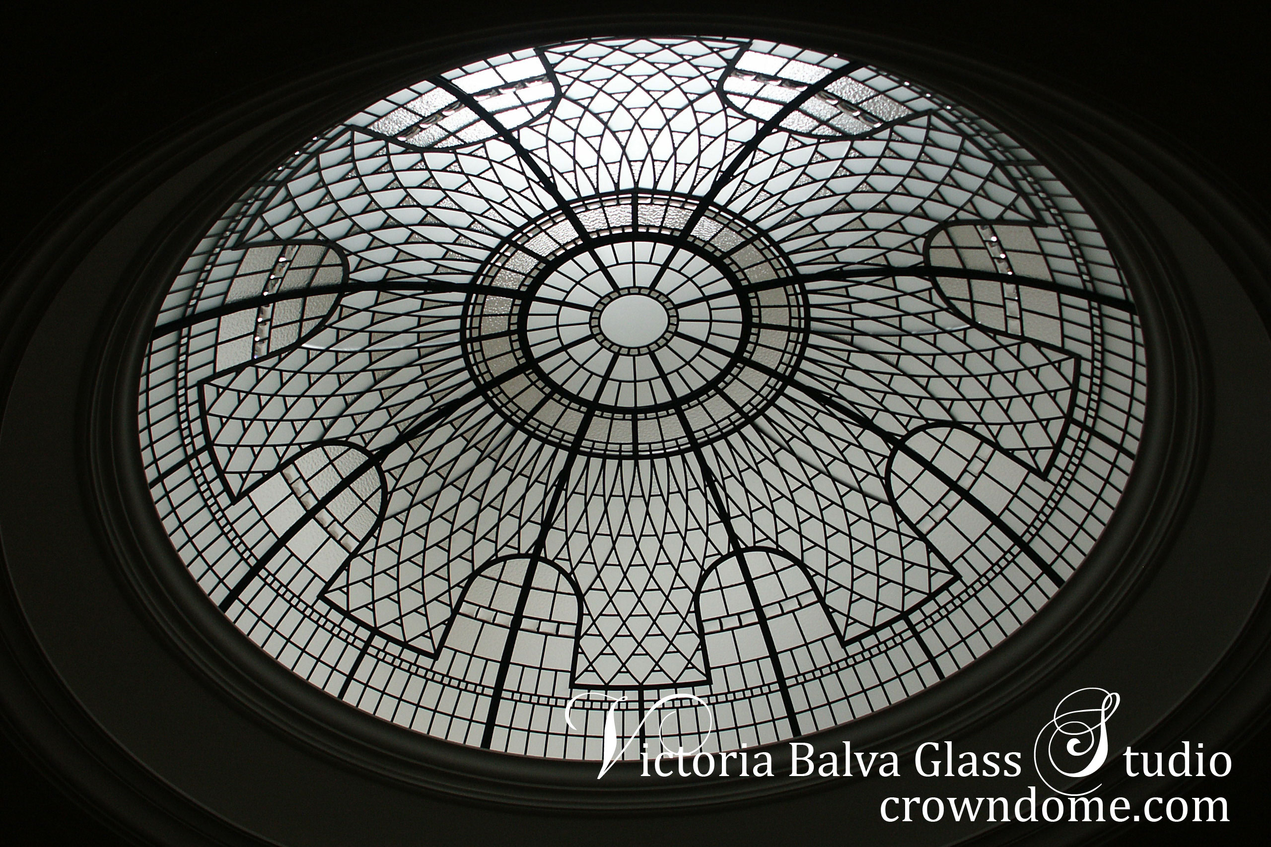 Stained and leaded glass dome for a stairway of a private residence