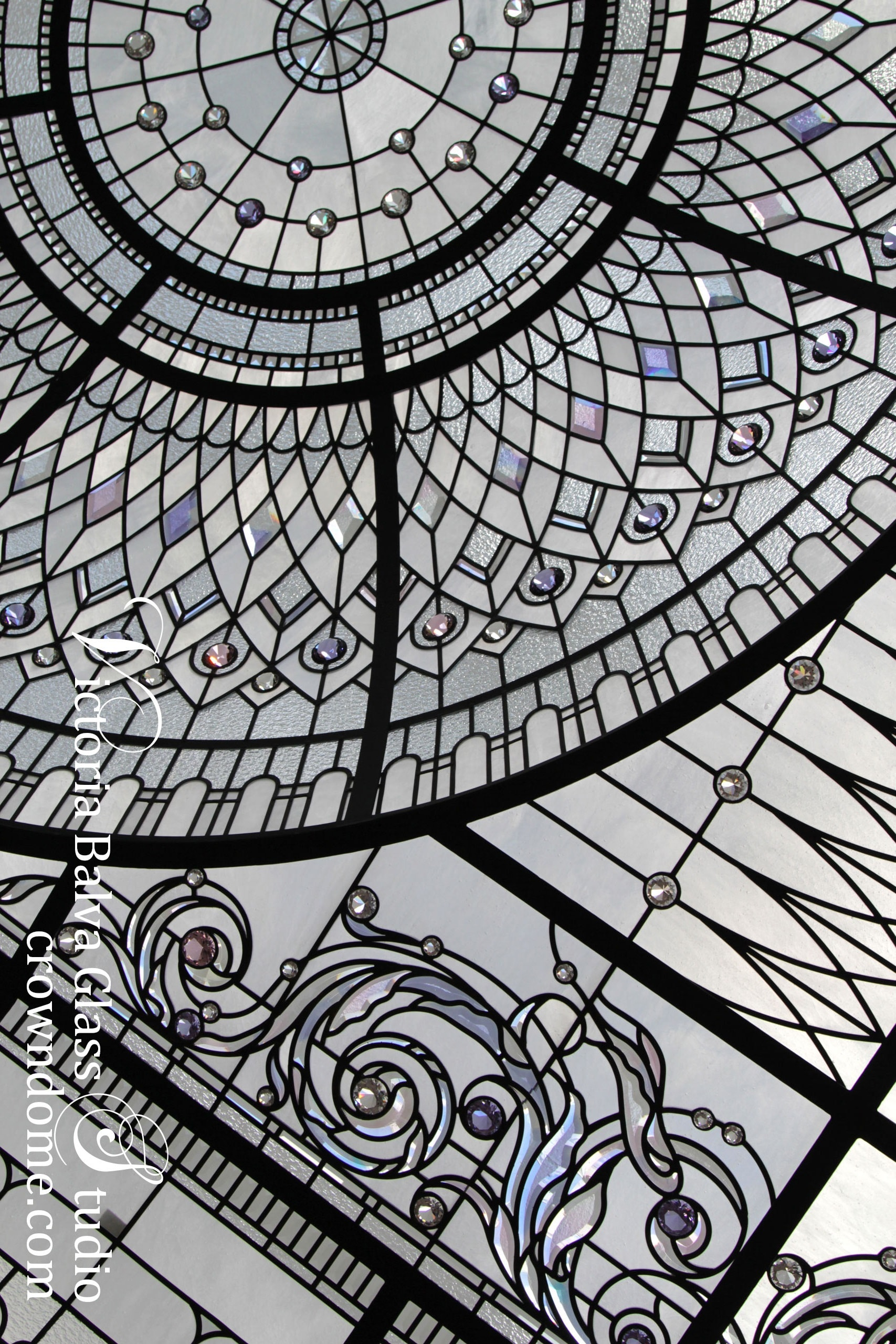 Custom stained glass domed ceiling for a great room of a custom builr residence in Connecticut